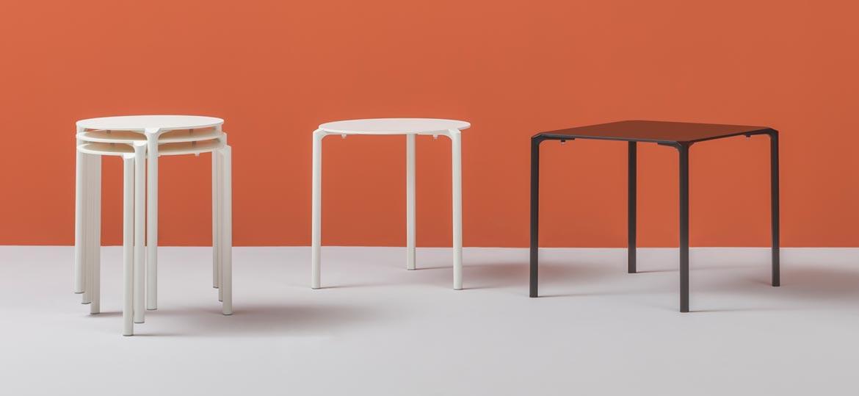 Tavolo bar in alluminio da esterno modello Jump  dsedute