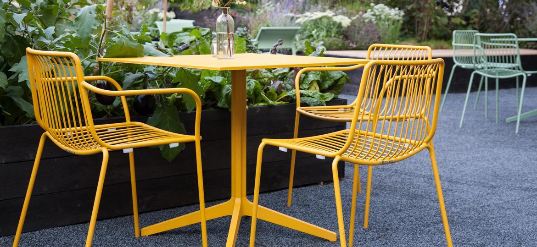 Materiali utilizzati per costruire tavoli e sedie dsedute for Arredamento da esterno per bar