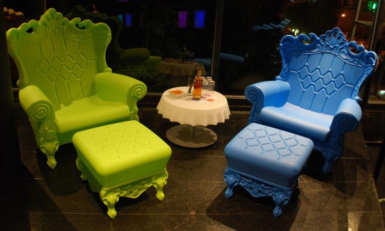 Sedie tavoli sgabelli per arredare bar e ristoranti dsedute for Tavolo snack
