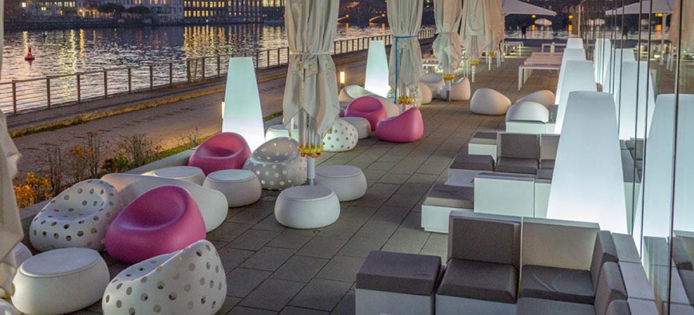 Sedie tavoli e sgabelli per arredare bar e ristoranti for Arredo bar napoli