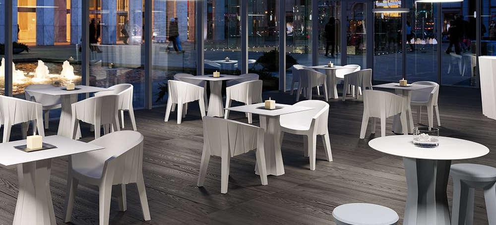 Sedie tavoli e sgabelli per arredare bar e ristoranti for Arredi esterni per bar e ristoranti