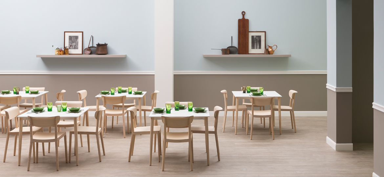 Tavolo In Legno E Sedie.Materiali Utilizzati Per Costruire Tavoli E Sedie Dsedute