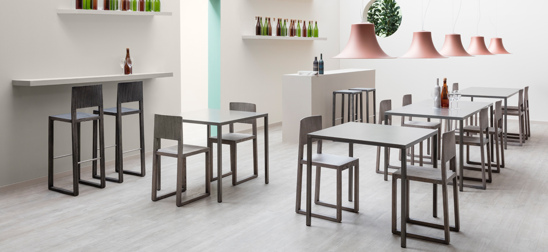 Materiali utilizzati per costruire tavoli e sedie dsedute - Sedie e tavoli bar usati ...