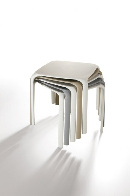 Tavolo da esterno impilabile serie Drop