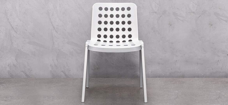 Sedia con scocca in polipropilene modello Koi-Booki