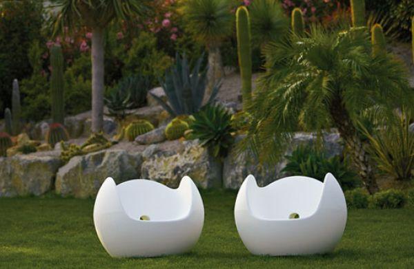 Poltrona da giardino in polietilene modello Blos