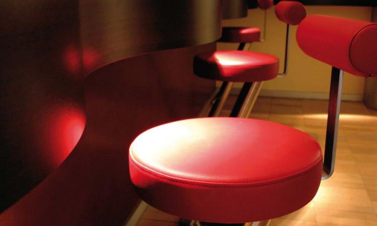 Sgabello da bar con seduta imbottita serie ZX