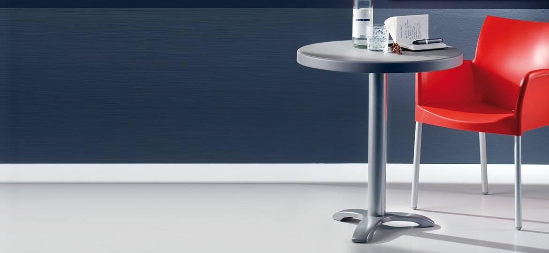 Tavolo con piedini regolabili collezione Easy