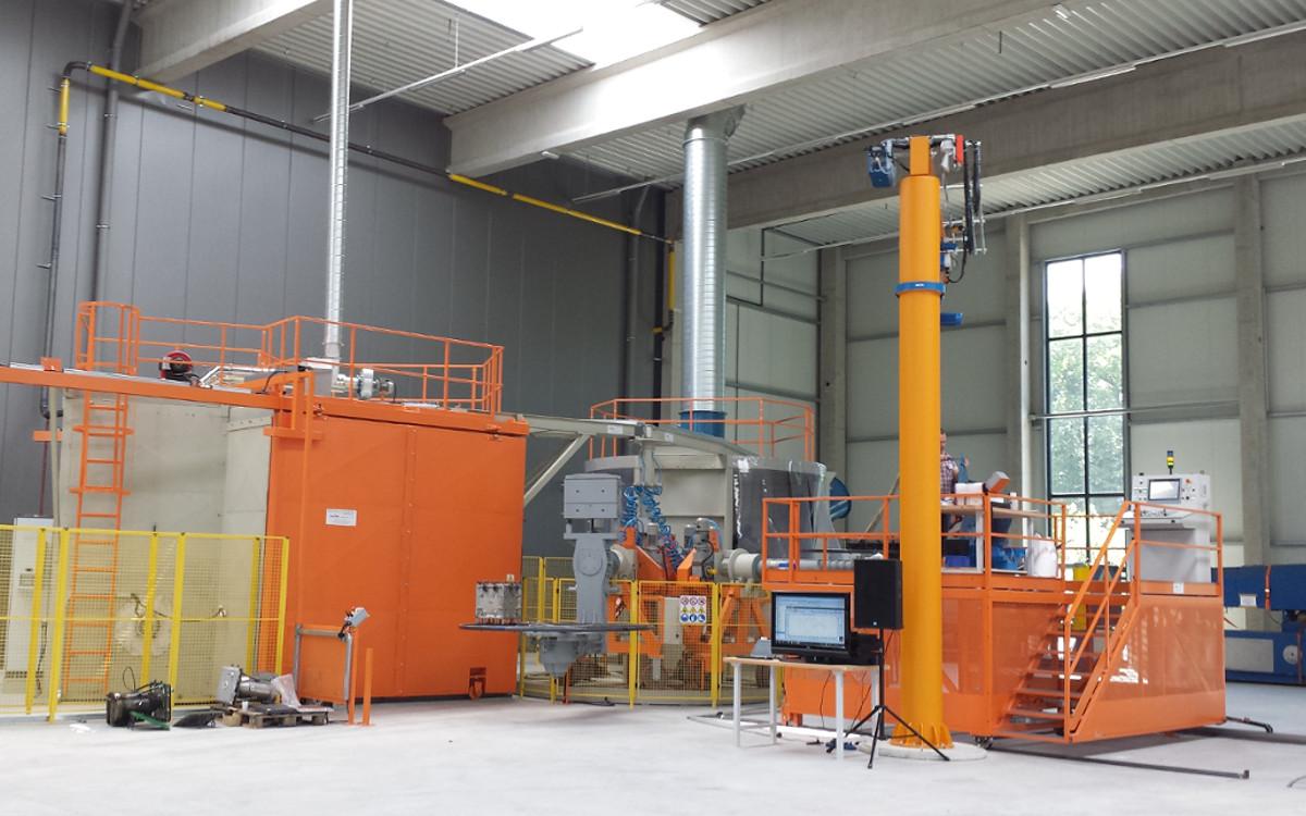 macchine utilizzate per lo stampaggio rotazionale