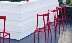 Sgabelli bar in legno plastica o metallo per uso interno