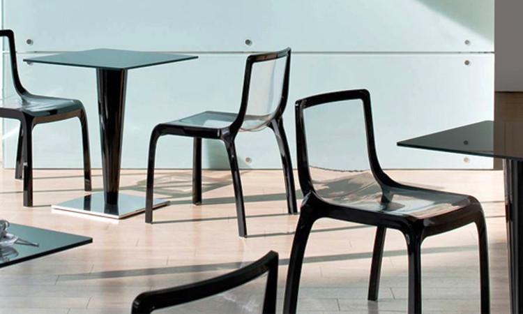 Tavolo moderno per l'arredo bar modello Krystal