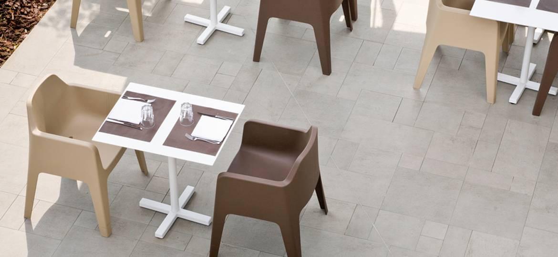 Tavolo bar modello Bold per ambienti interni