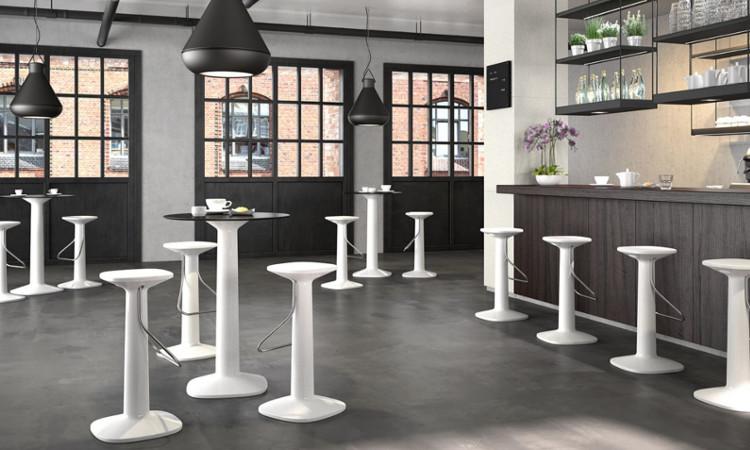 Tavolo snack modello Zuff per per l'indoor e l'outdoor | dsedute