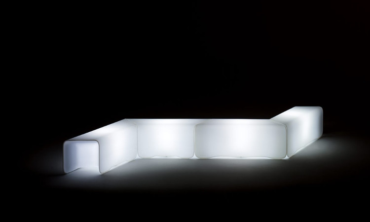 Seduta modulare luminosa modello Nova Panca