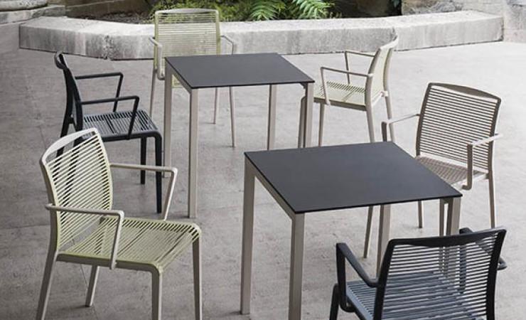 Sedia bar in plastica Avenica