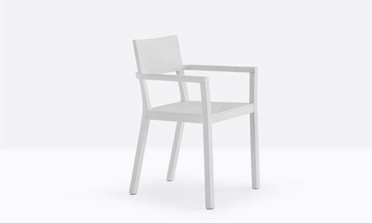 Sedia in legno di rovere a slitta modello Feel