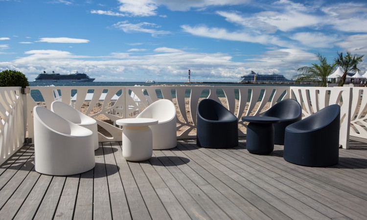 Poltroncina lounge modello Bay, per l'indoor e l'outdoor