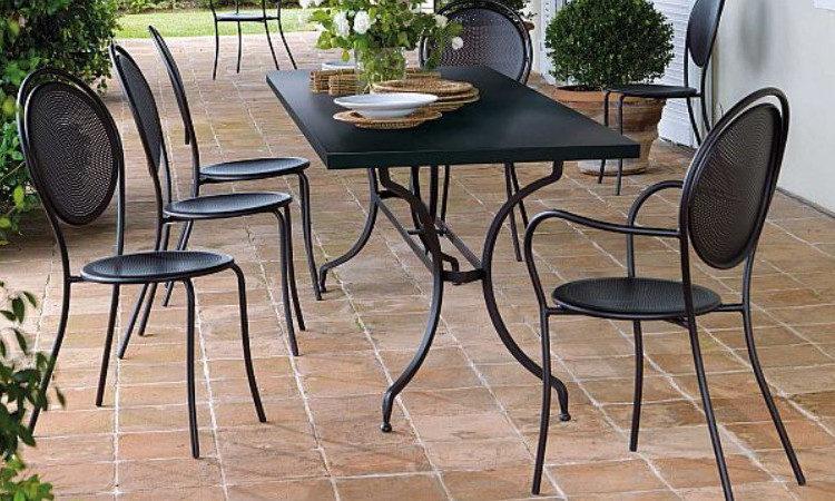 Sedia impilabile in metallo zincato modello Paris