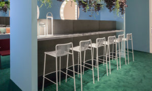 Sgabello bar da esterno modello Tribeca