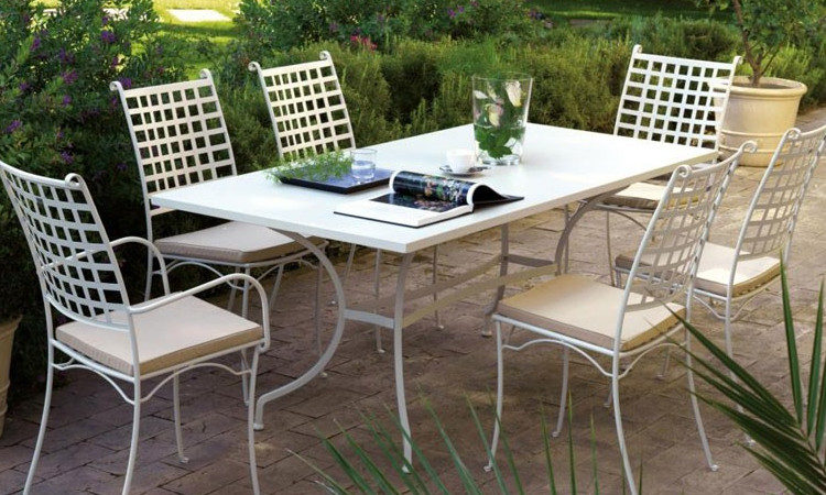 Tavolo da esterno, in metallo zincato modello Ascot