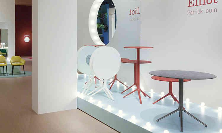 Tavolo bar moderno con piano reclinabile serie Elliot