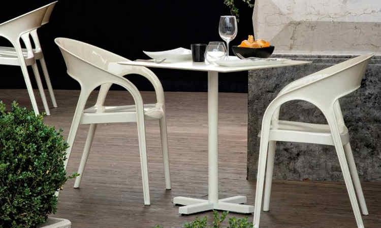 Poltroncina moderna per l'arredo ristorante modello Gossip