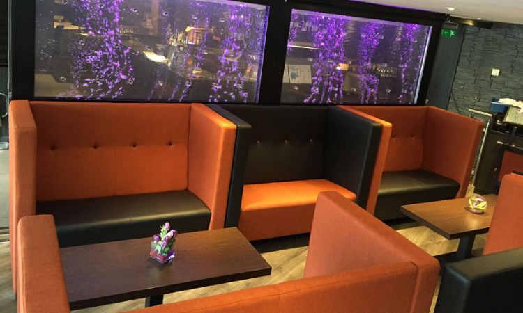 Divani fissi, alti o bassi, per ristoranti, alberghi e bar, Collezione Giano