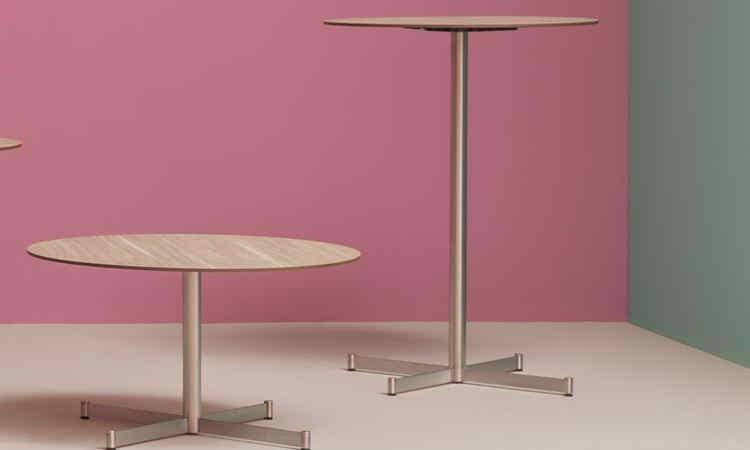 Tavolo bar con piedini regolabili modello Zenith