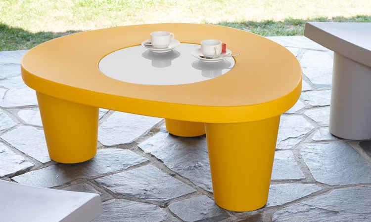 Low Lita Table, tavolino moderno per giardini e terrazzi