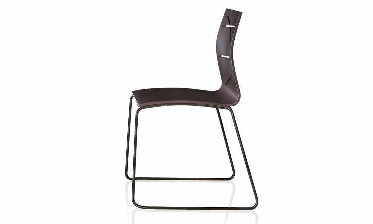Todd, sedia moderna, impilabile a 4 gambe o a slitta