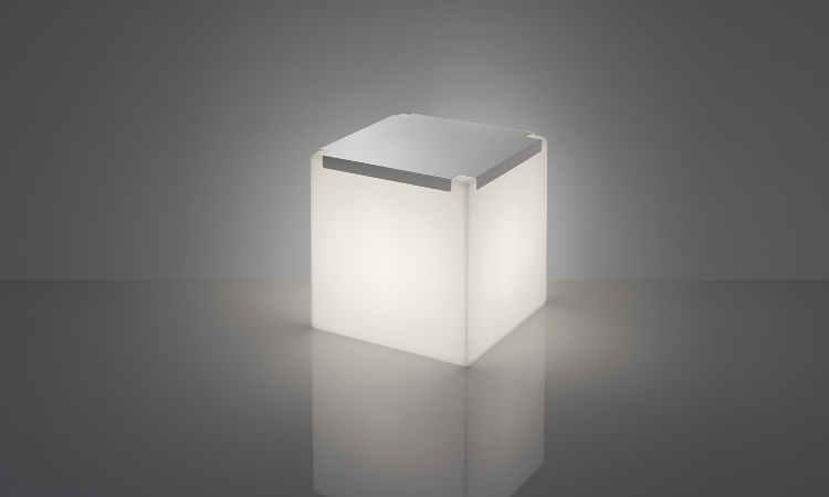 Kubo, tavolino luminoso per ambienti interni ed esterni