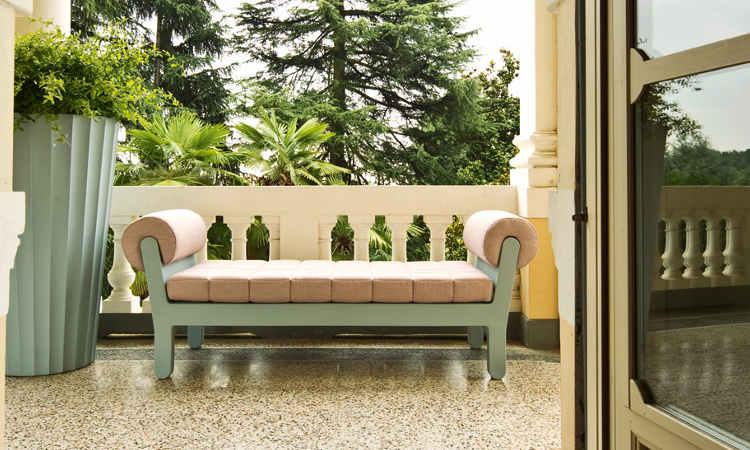 Belle Etoile, divano imbottito per ambienti interni ed esterni