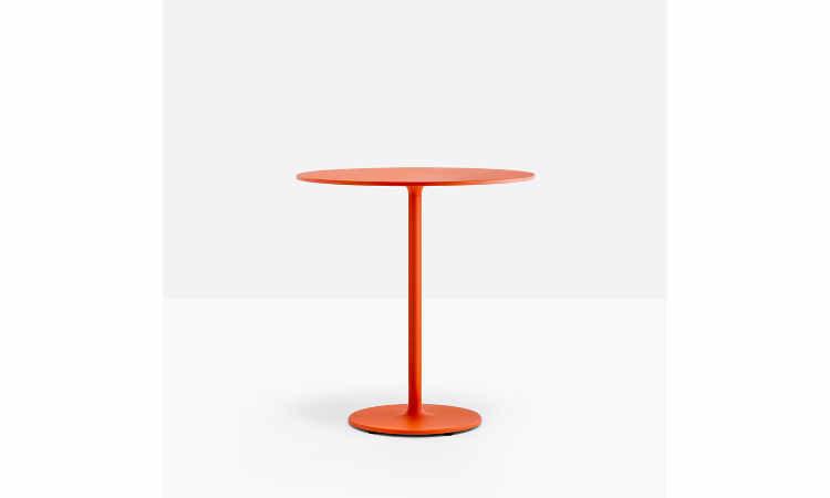 Stylus, tavolo per interni con piedini regolabili