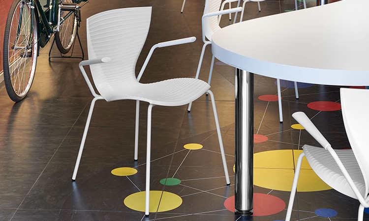 Gloria, sedia moderna per ambienti interni ed esterni