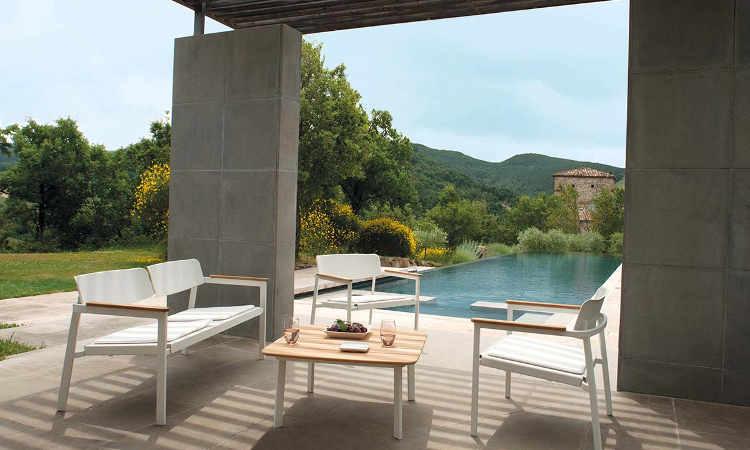 Shine, divano da giardino, aree relax e bordo piscina