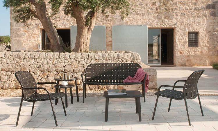 Yard, divano da giardino con cinghie elastiche