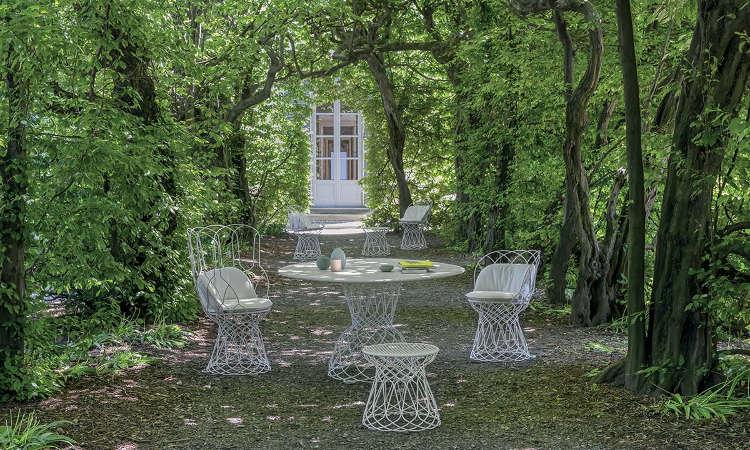 Re-trouve, tavolo da giardino con piano tondo