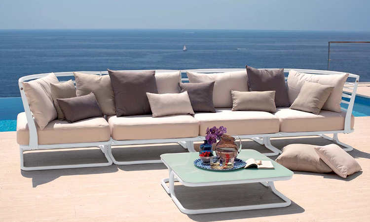 Marcel, divano modulare per l'arredo di giardini o bordo piscine