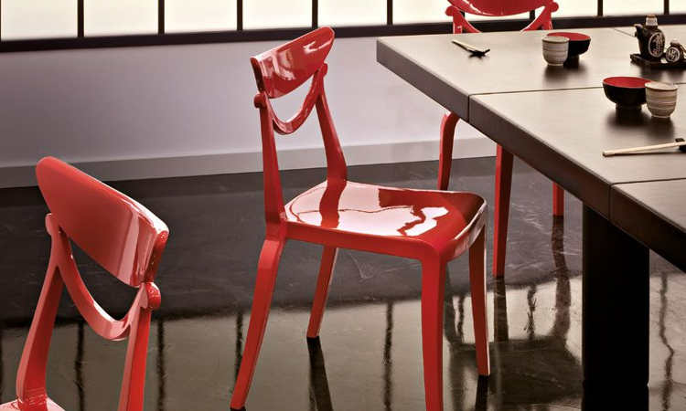 Marlene, sedia dal design moderno, impilabile