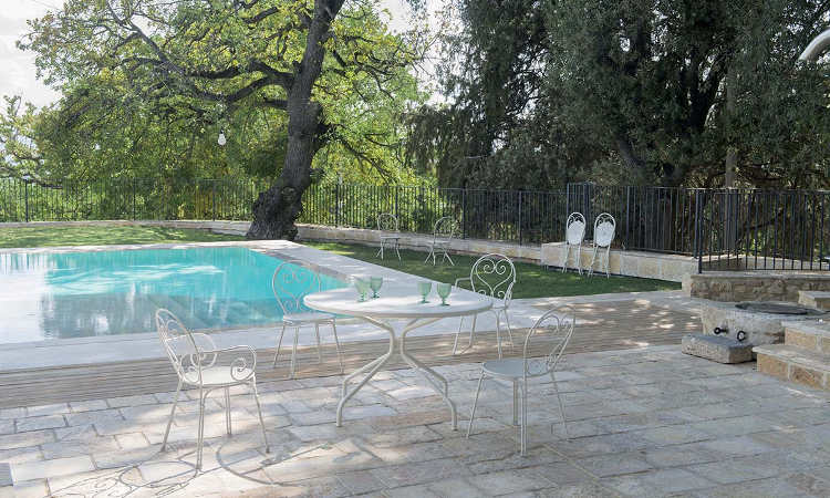 Pigalle, sedia classica da giardino in acciaio verniciato