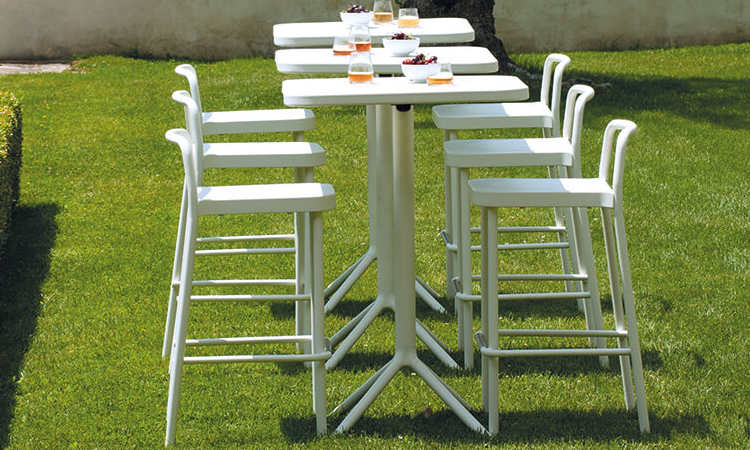 Grace, sgabello in alluminio, per l'indoor e l'outdoor