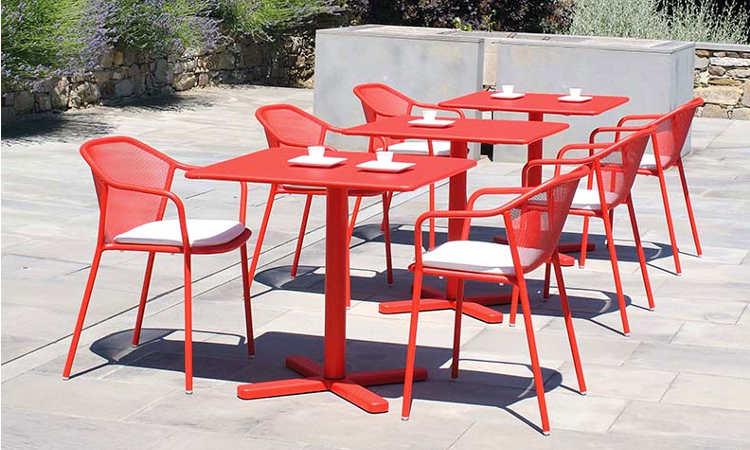 Darwin, tavolo bar per l'arredo outdoor, in acciaio verniciato