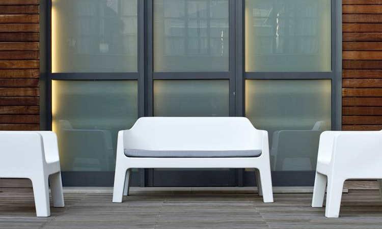 Plus, divano moderno due posti per l'arredo giardino