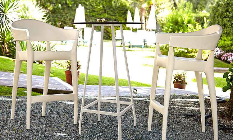 Jo Stool, sgabello moderno per l'arredo indoor e outdoor