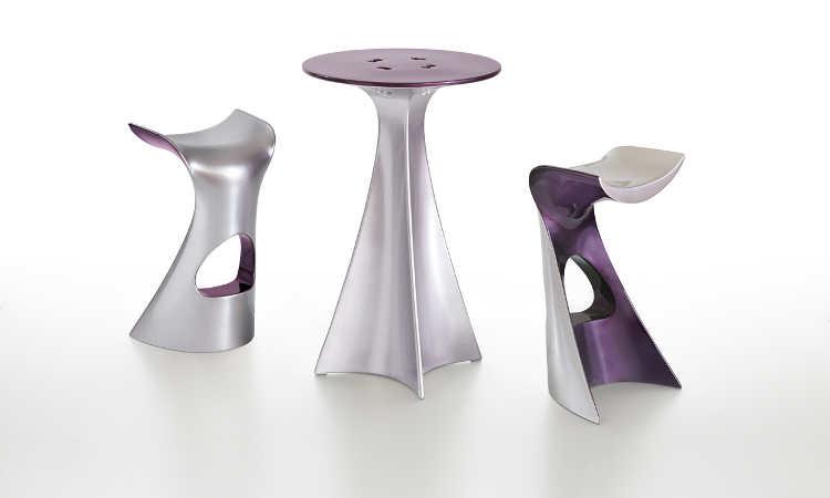 Jet Next, tavolo alto con base argento