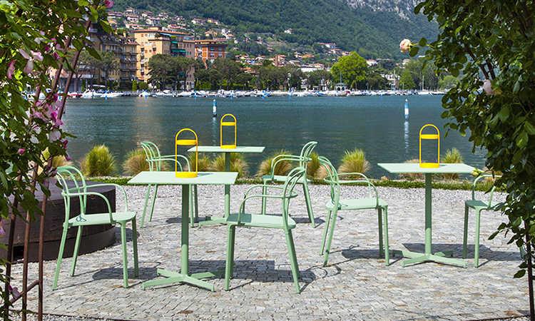 Laja, tavolo a base centrale per l'arredo indoor e outdoor