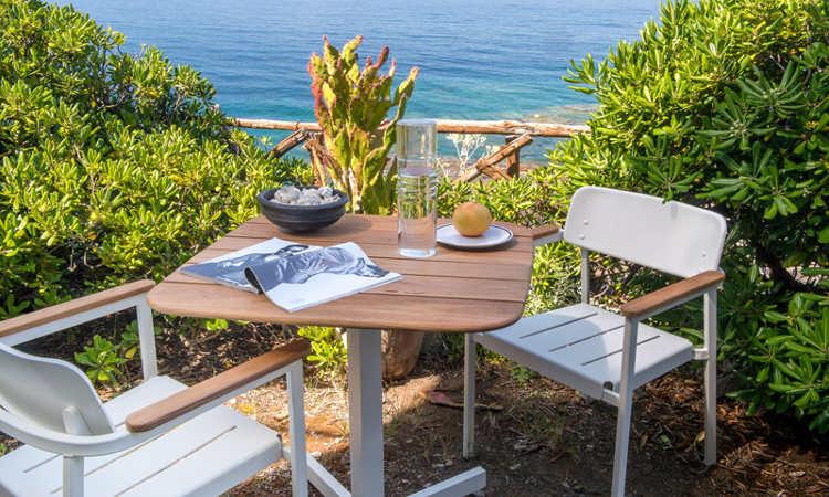 Shine, tavolo da giardino a gamba centrale