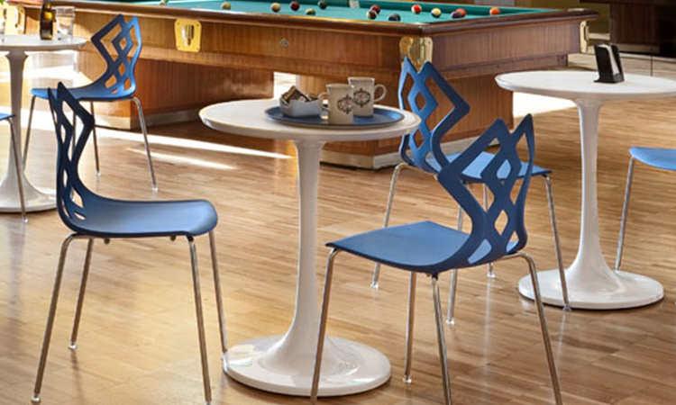 Vincent, tavolo bar da esterno con piano antigraffio