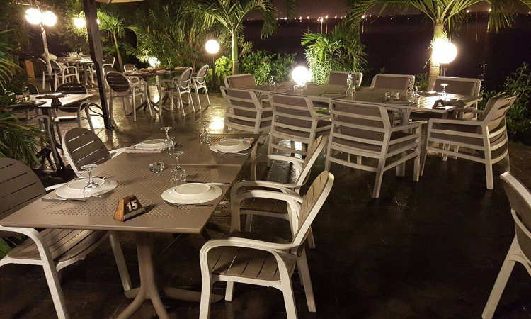 Clip 80, tavolo bar per l'arredo outdoor