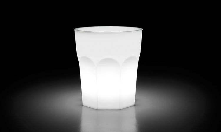 Cubalibre, tavolo luminoso per l'arredo di locali e bar